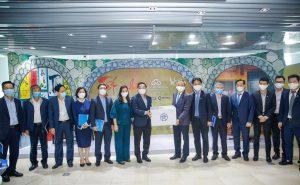 ハノイ市人民委員会の Chu Ngoc Anh(チュー・ゴック・アイン)委員長は、ハノイ市人民委員会の代表団と一緒にCMCを訪問しました。