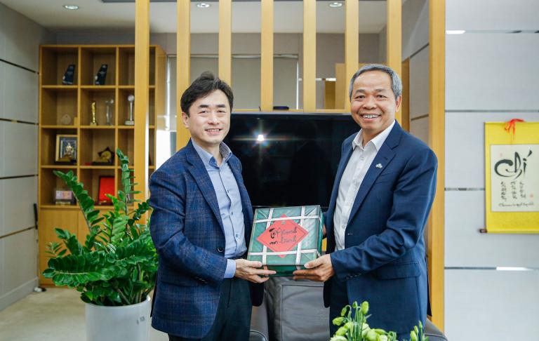 SamsungSDSベトナムの新取締役会長がCMC グループを訪問